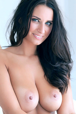 Sammy Braddy in 'Naturally Sexy' via Body In Mind