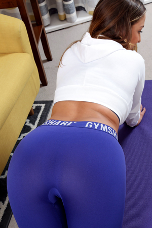Suzie Q in 'Gymshark Leggings' via Only-Tease