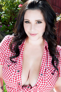 Noelle Easton in 'Farmer Babe' via Nubiles