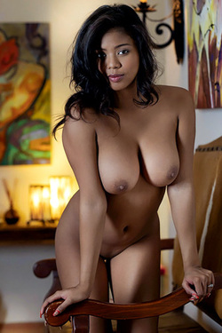 Nia Nicce in 'Ebony Beauty' via Met-Art